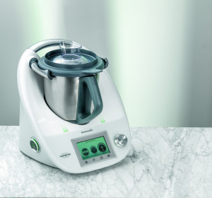 Thermomix_with_MixingBowl-hpr